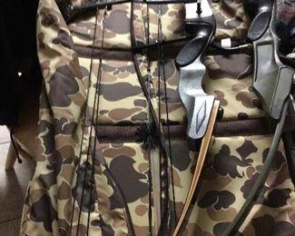 Proline Compound Bows, Arrows, Case