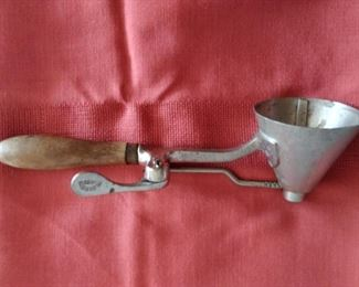 Early century Gilcrist 33 Antique Cream Parlor Scoop