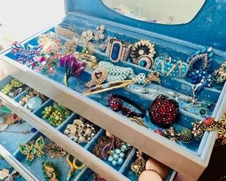 Assorted jewelry over 1000+ necklaces, rings, watches, earrings..more