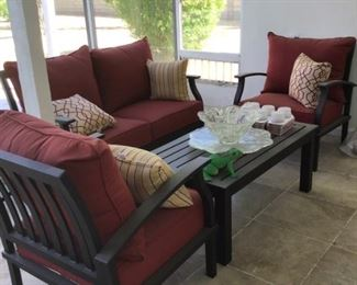 Patio set: Setee , 2 chairs  & Table all cushions & pillows inluded
