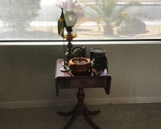Antique drop leaf lamp table