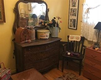 Nice old dresser and mirror!