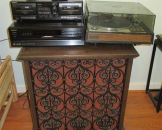 Altec Lansing Iconic large floor speakers, can use as tables ! (speakers have now sold)