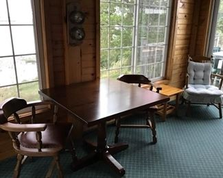 Small table and chairs in beautiful condition.