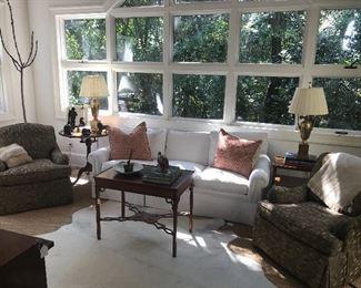 sofa mitchell gold - like new