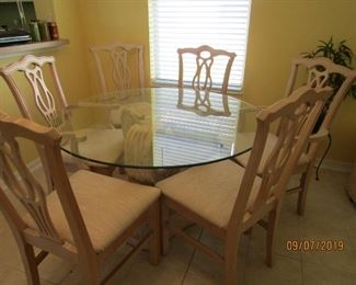 """GORGEOUS 48"""" ROUND GLASS TOP TABLE AND CHAIRS AND CONCRETE BASE... IT IS REALLY NICE LOOKING.. GOES ANYWHERE"""