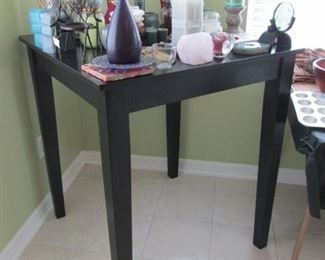 TABLE TOP THAT CAN BE USED AS A DINING FOR 2 IN A SMALL APT. OR WHERE EVER...