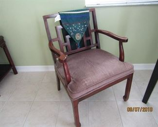 NICE STYLISH CHAIR FOR ANYWHERE