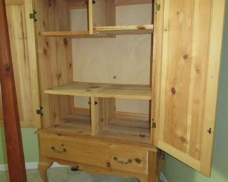 GORGEOUS TV OR DISPLAY OR STORAGE UNIT  IN NATURAL WOOD.. IT IS ONE VERY VERY NICE ITEM IN THE SALE