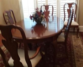THOMASVILLE DINING TABLE + SIX CHAIRS