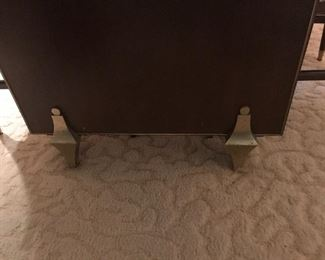 LEGS AT BASE OF TABLE ON EACH END