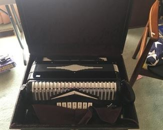 VERY VERY NICE IMPERIAL ACCORDION WITH CASE