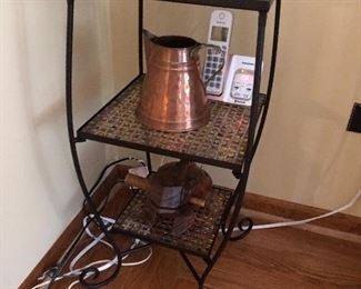 Plant stand/side table