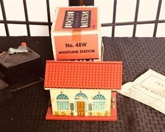 Vintage Lionel Train Accessories https://ctbids.com/#!/description/share/274881