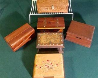Vintage wooden boxes https://ctbids.com/#!/description/share/274937