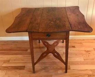 Vintage Drop Leaf Table https://ctbids.com/#!/description/share/274948