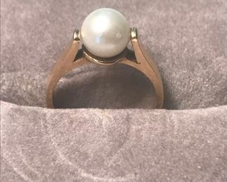 Pearl on 14K yellow gold band