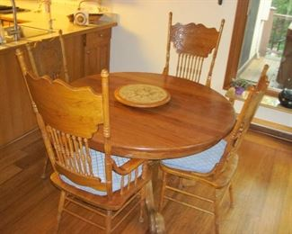 Nice Wooden Kitchen Table and Chairs