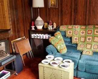 Brady bunch style living room...what a blast from the past!!