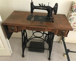 Antique Sewing Machine / Table $ 112.00