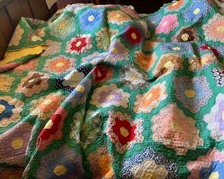 vintage 1930's hand stitched grandmothers flower garden quilt