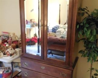 TV/clothes armoire