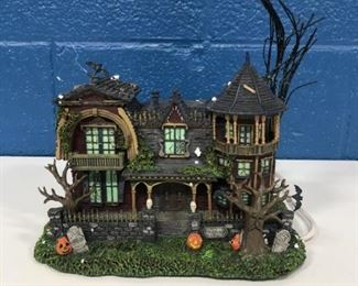 ONE OF MANY HAWTHORN VILLAGE PIECES