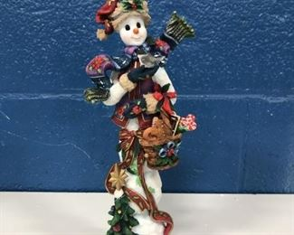 ONE OF SEVERAL LENOX WINTER FIGURES