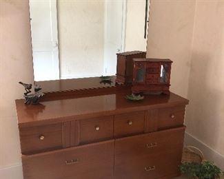 Cool mid century bedroom set!