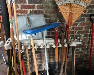 Many garden tools!