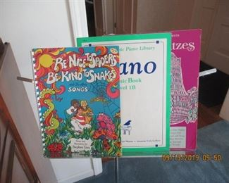 PIANO MUSIC STAND AND BOOKS