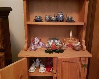 Pine folk cupboard