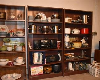 Vase, Kitchen Housewares, Sony Stereo Radio, Pots Pans Slow cooker, Small Appliances, Cookbooks