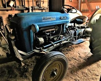 1964 Ford 2000 Tractor