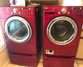 NICE LG WASHER & DRYER