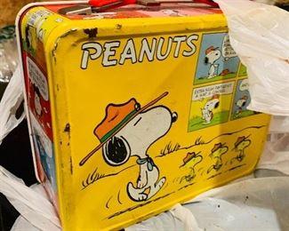 Peanuts metal 1960s lunch box