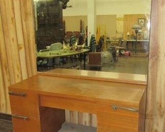 1950's - 1960's Dresser