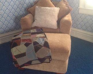 La-z-boy chair with ottoman