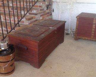 Eagleside cedar chest w/ key, oversized cedar chest w/ copper bands