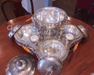 Inside of Crown Sterling Inc. 18 Piece Supper Set