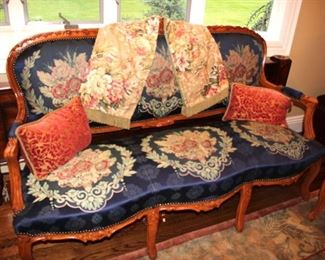 5 Piece Parlor Set with Beautiful Fabric Cushions