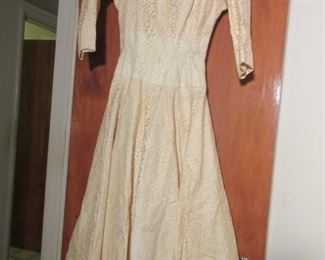 vintage wedding dress w/ hat