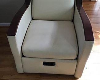 Converting Chair https://ctbids.com/#!/description/share/233924