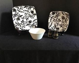 Black and White Dishes https://ctbids.com/#!/description/share/233952