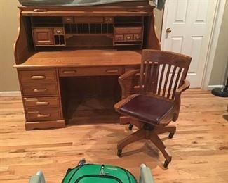 Roll Top Desk and Chair https://ctbids.com/#!/description/share/233983