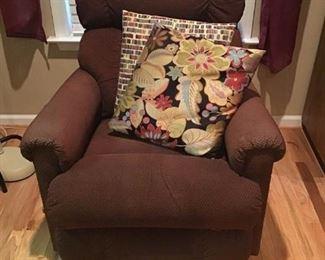 Chair Recliner https://ctbids.com/#!/description/share/233992