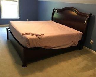 King Sized Bed https://ctbids.com/#!/description/share/233995