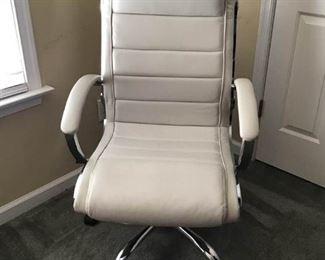 Desk Chair https://ctbids.com/#!/description/share/234002