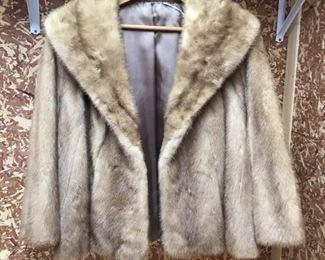 Fur Coat https://ctbids.com/#!/description/share/234025
