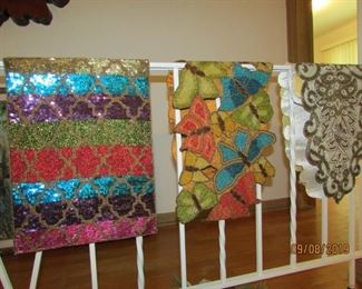 Pier 1 table runners